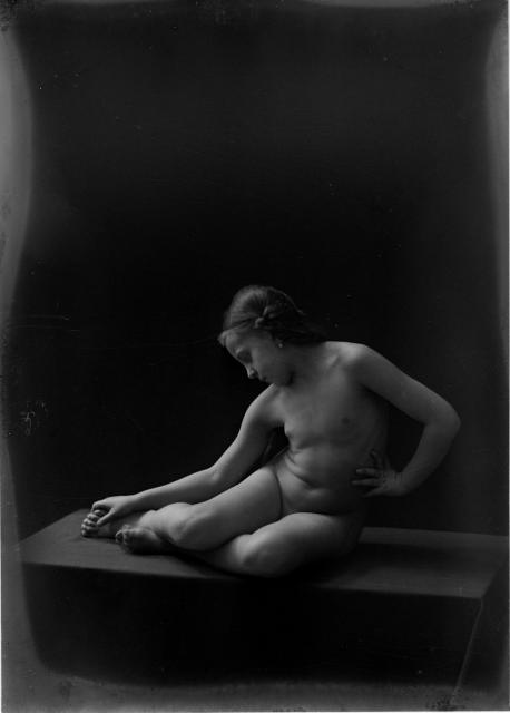 Nerdy Nude Photograph Akt Black White Liv Sage Bush Natural Hair Pictures 1